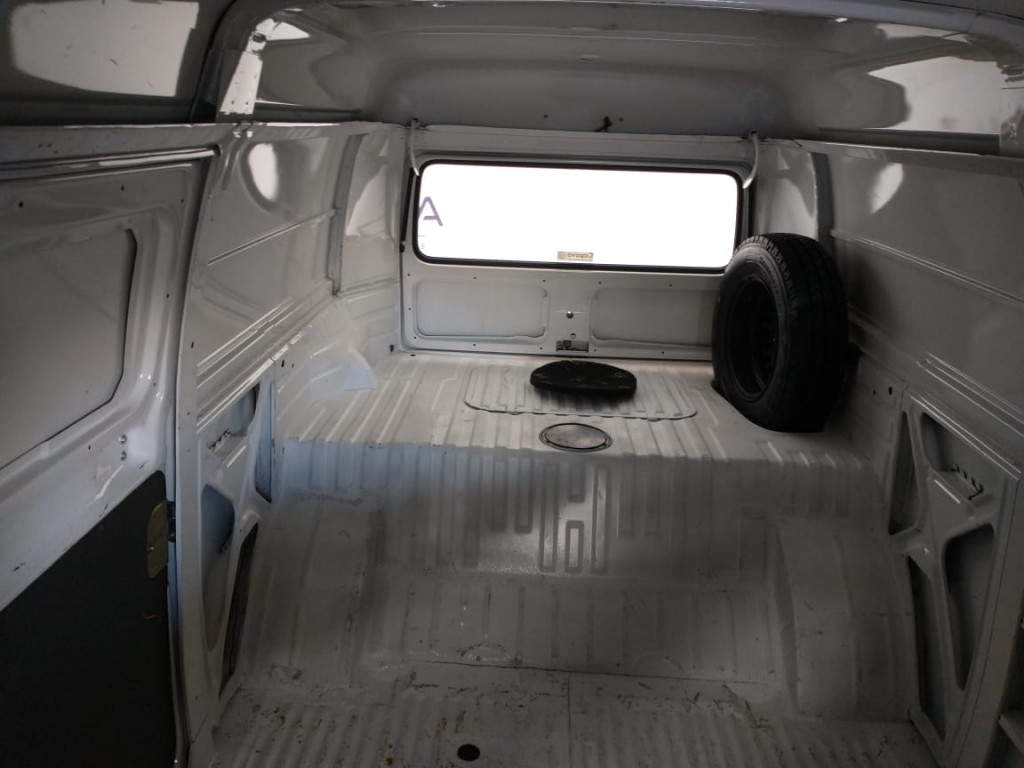 Imagem do veículo KOMBI 1.4 MI FURGÃO 8V FLEX 3P MANUAL - COM APENAS 37 MIL KM !!!
