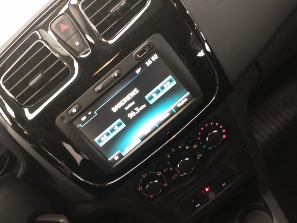 Imagem do veículo LOGAN 1.6 16V SCE FLEX ZEN MANUAL - COM APENAS 7 MIL KM !!!