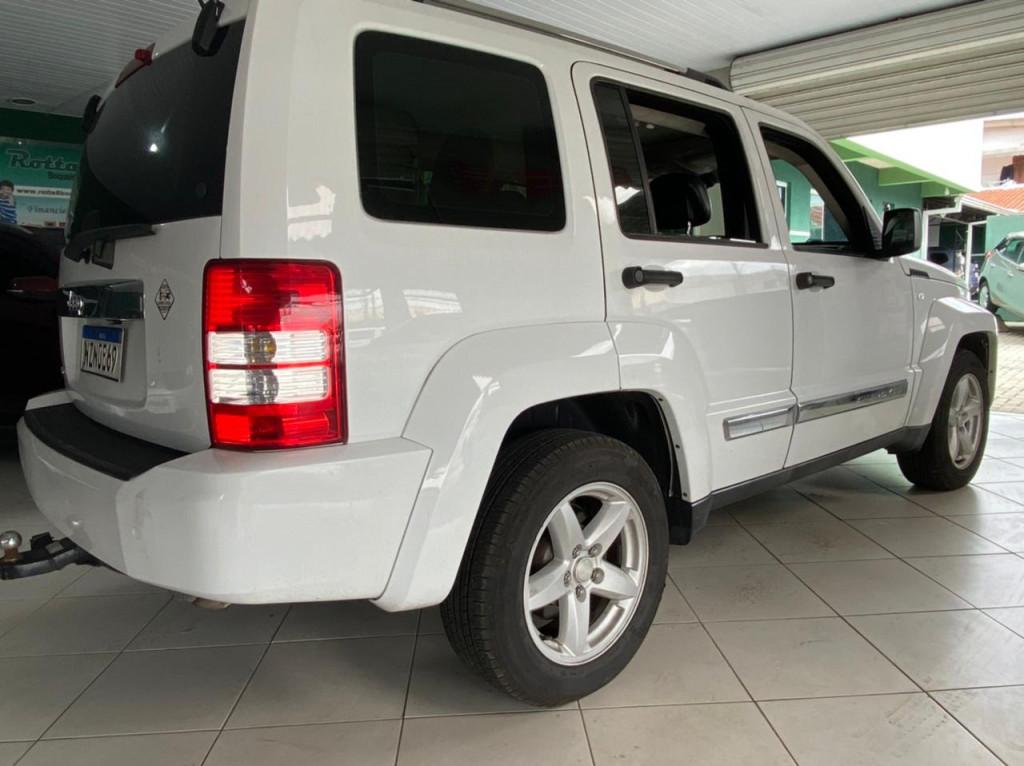 Imagem do veículo JEEP CHEROKEE 3.7 LIMITED 4X4 V6 12V GASOLINA 4P AUTOMÁTICO