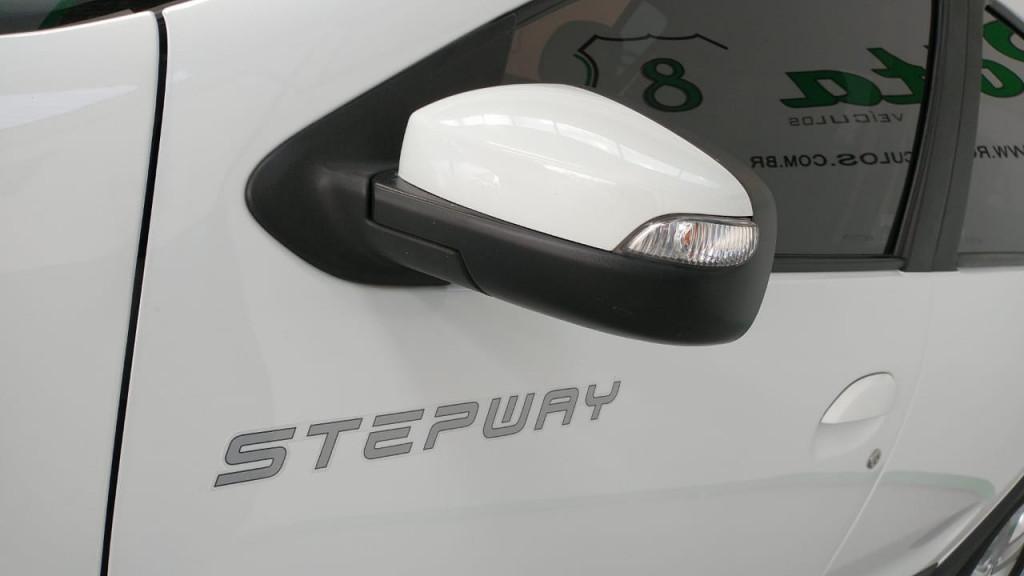 Imagem do veículo SANDERO 1.6 16V SCE FLEX STEPWAY EASY-R