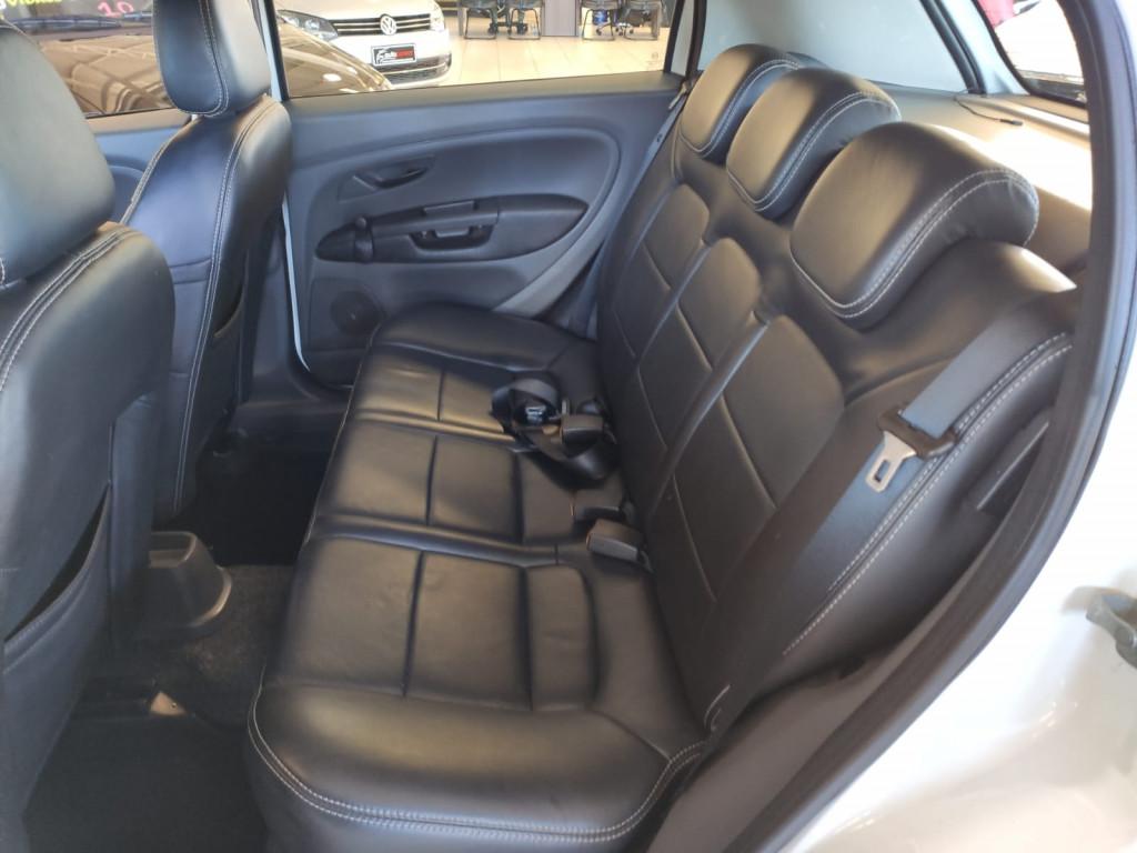 Imagem do veículo LINDO FIAT PUNTO 1.4 ATTRACTIVE 8V FLEX 4P MANUAL!!!! BANCOS DE COURO!!!
