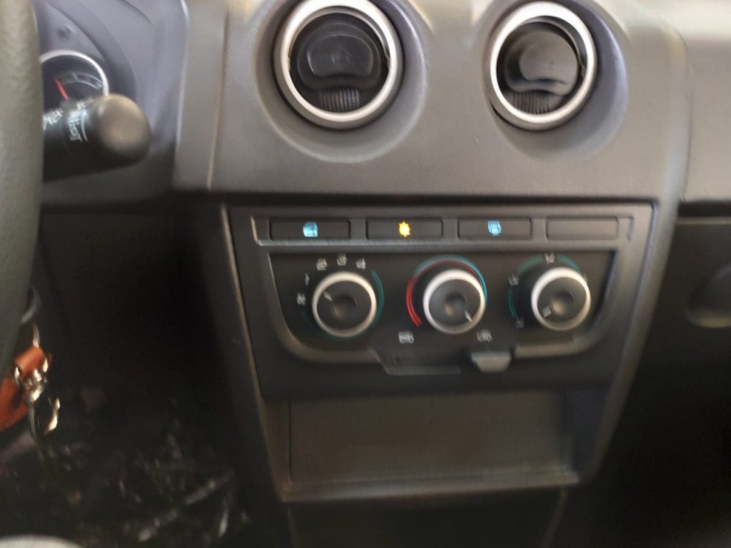 Imagem do veículo LINDO CELTA 1.0 MPFI LT 8V FLEX 4P MANUAL 2016!!!!COMPLETOOOO!!!!