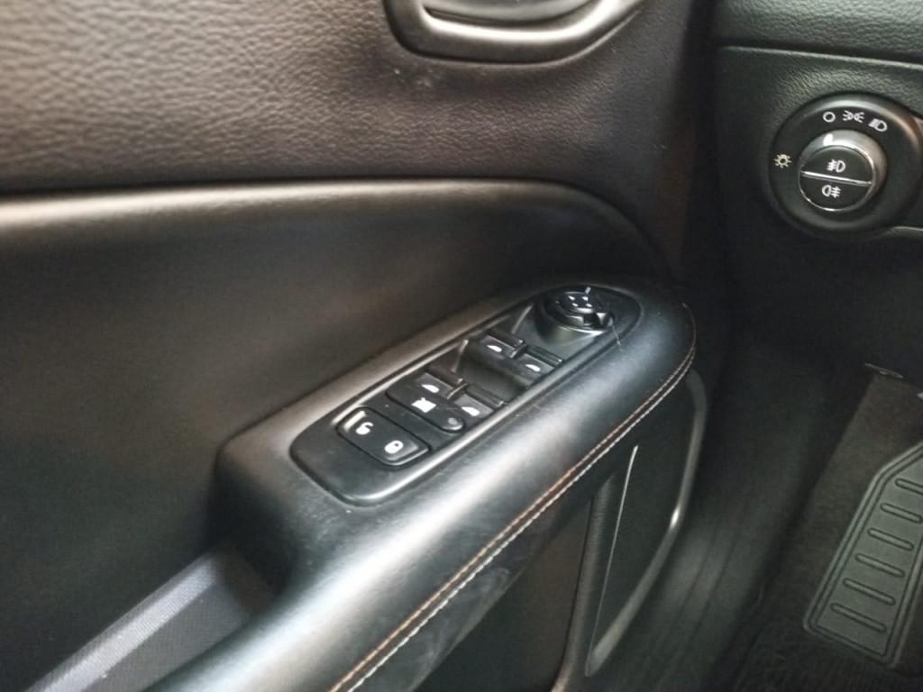 Imagem do veículo COMPASS 2.0 16V FLEX SPORT AUTOMÁTICO-COM APENAS 55 MIL KM !!!