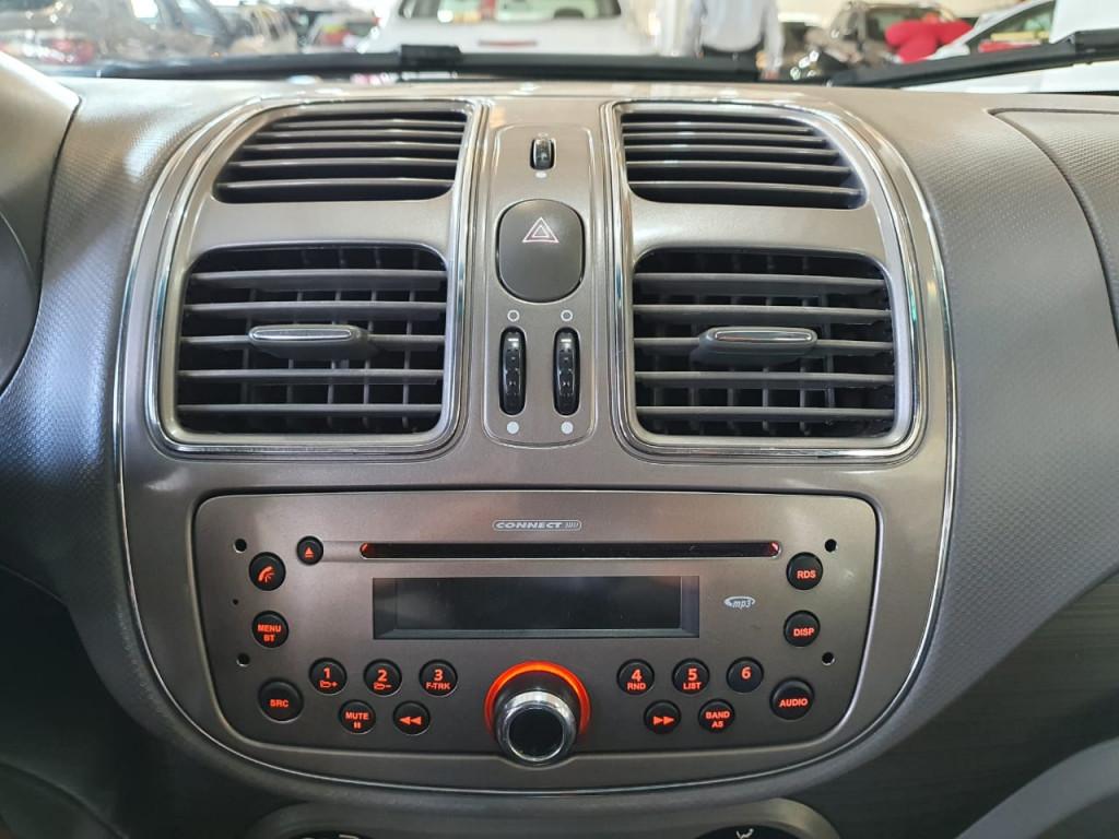 Imagem do veículo FIAT GRAND SIENA 1.6 MPI ESSENCE 16V FLEX 4P AUT 2015!!! COM APENAS 84 MIL KM!!!