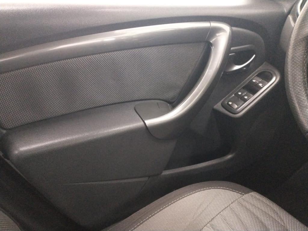 Imagem do veículo DUSTER 1.6 TECH ROAD 4X2 16V FLEX 4P MANUAL