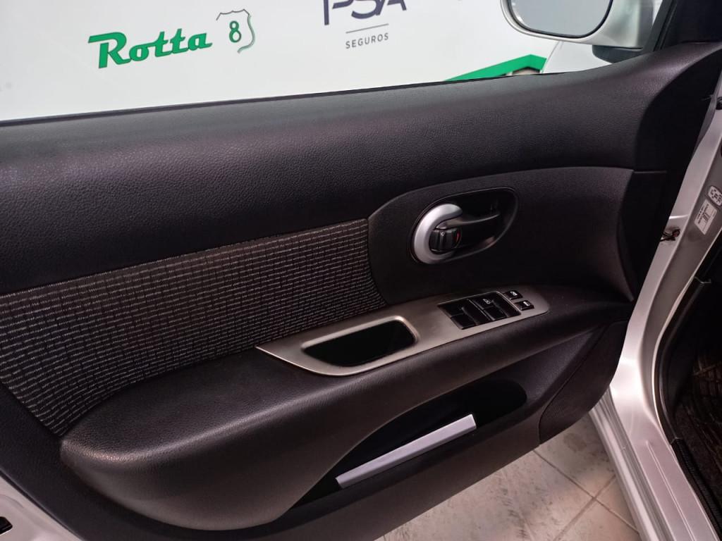 Imagem do veículo LIVINA 1.6 S 16V FLEX 4P MANUAL