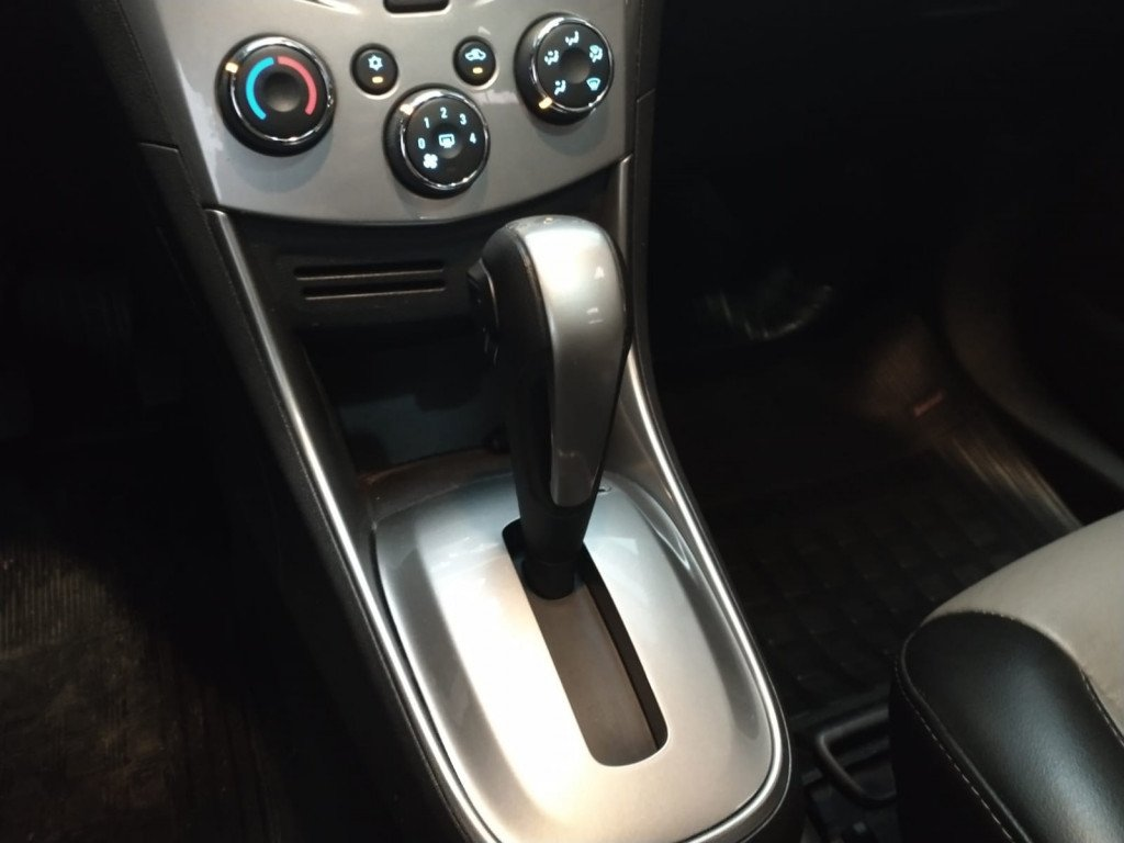 Imagem do veículo TRACKER 1.8 MPFI LTZ 4X2 16V FLEX 4P AUTOMÁTICO + TETO SOLAR !!!