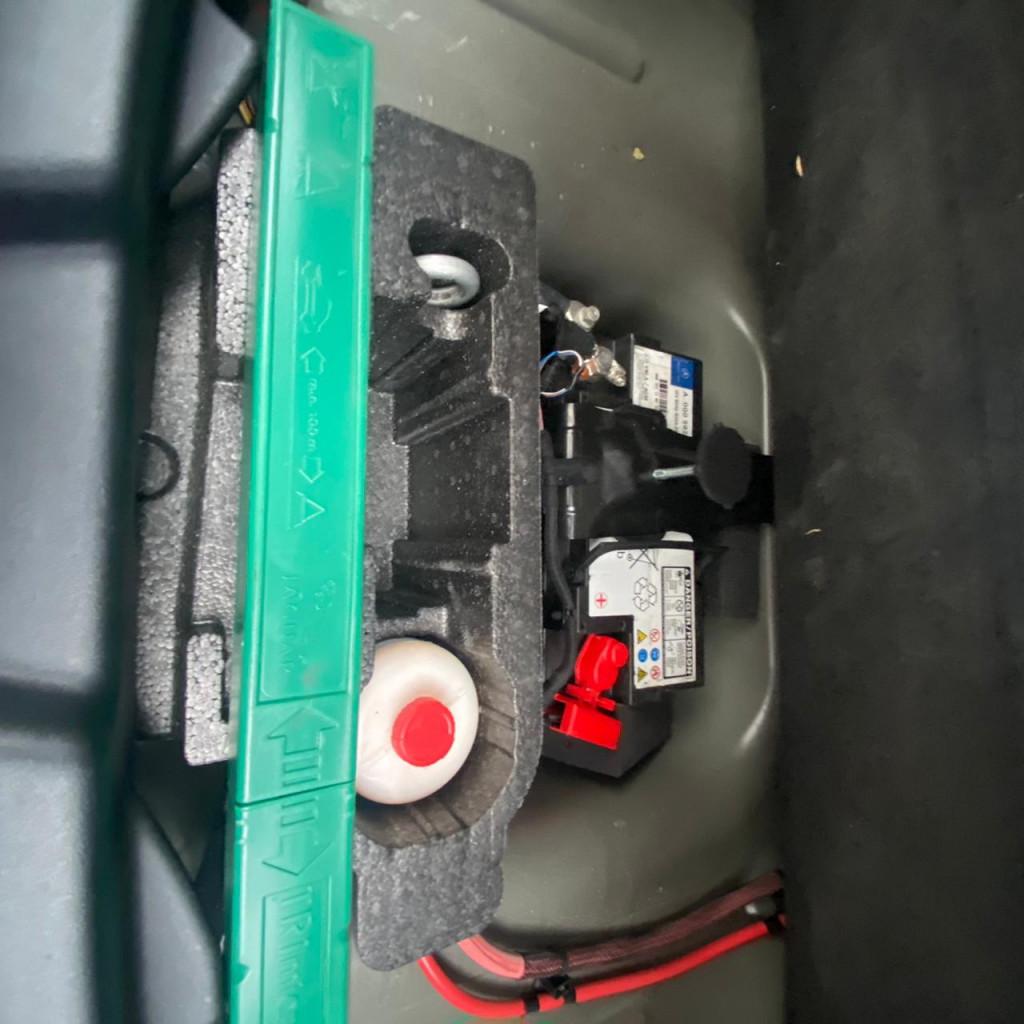Imagem do veículo JAGUAR XE 2.0 16V SI4 TURBO GASOLINA PURE 4P AUTOMÁTICO