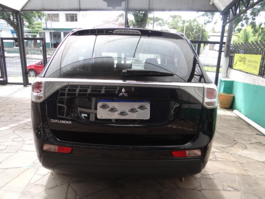 Imagem do veículo MITSUBISHI OUTLANDER 2.0 COMFORT 16V GASOLINA 4P AUTOMÁTICO