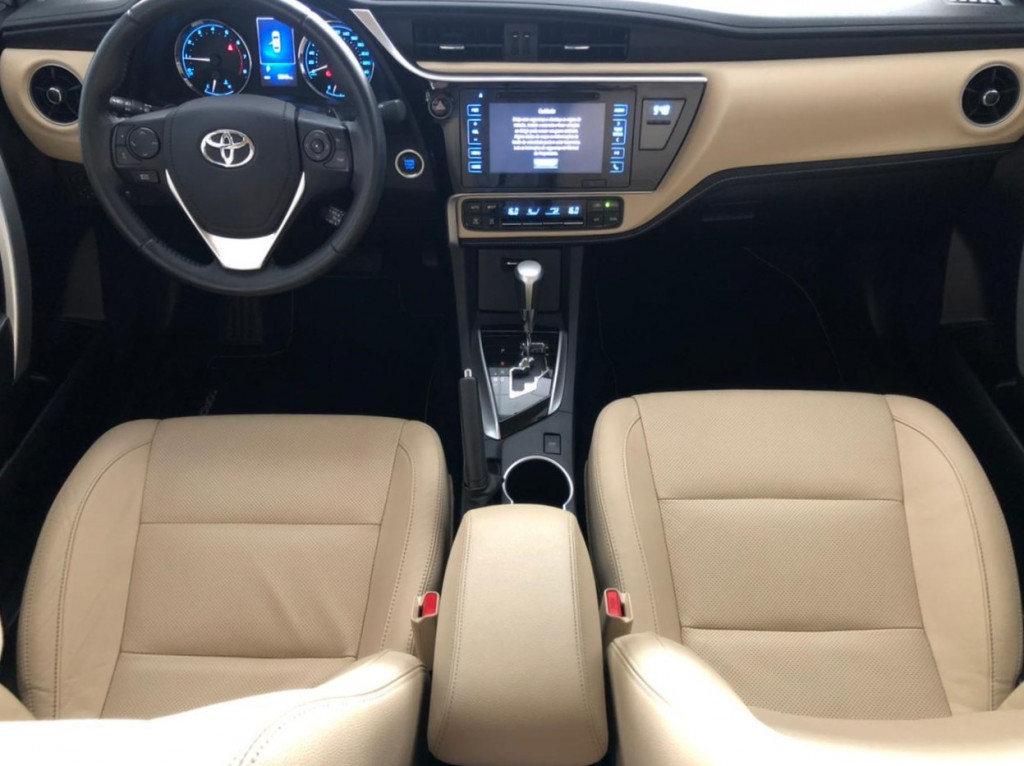Imagem do veículo TOYOTA COROLLA 2.0 ALTIS16v flex 4p automático