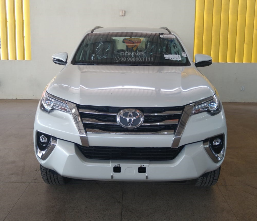 Toyota Hilux SW4 2.8 SRX 4x4 7L
