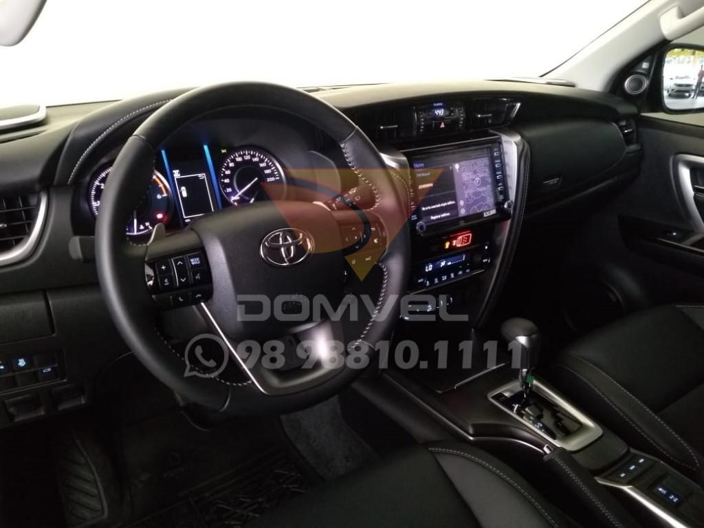Imagem do veículo Toyota Hilux Sw4 2.8 SRX 7L