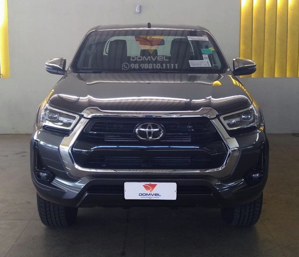 Toyota Hilux 2.8 SRX CD AT 4X4