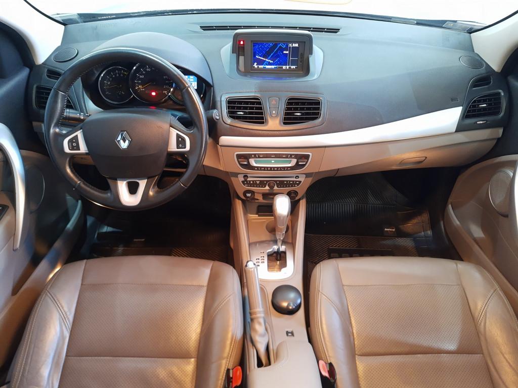 Imagem do veículo RENAULT FLUENCE 2.0 PRIVILÉGE 16V FLEX 4P AUTOMÁTICO