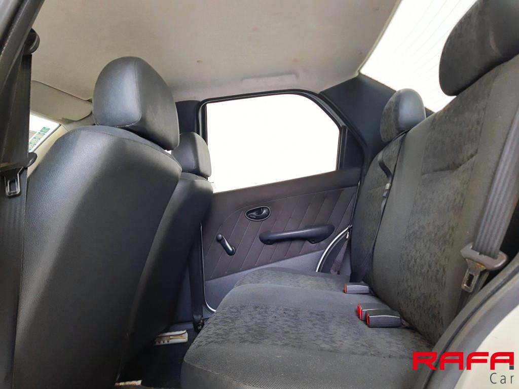Imagem do veículo FIAT SIENA 1.0 MPI FIRE CELEBRATION 8V FLEX 4P MANUAL