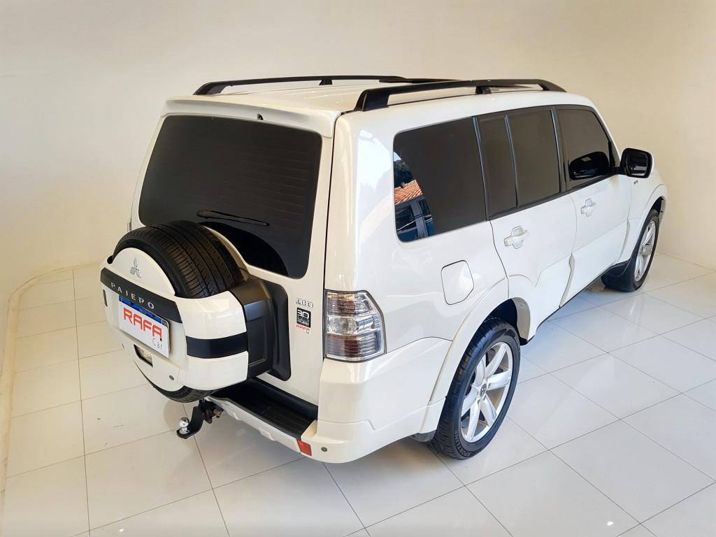 Imagem do veículo MITSUBISHI PAJERO FULL 3.2 HPE 4X4 16V DIESEL 4P AUTOMÁTICO