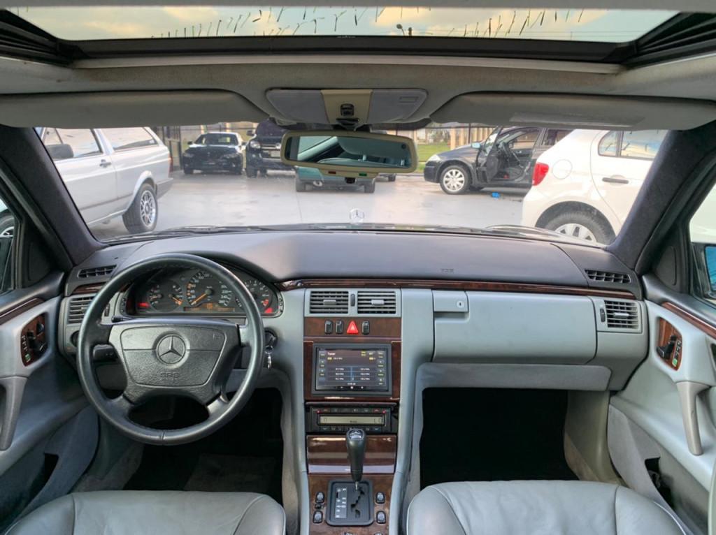 Imagem do veículo MERCEDES-BENZ E 320 3.2 ELEGANCE V6 GASOLINA 4P AUTOMÁTICO