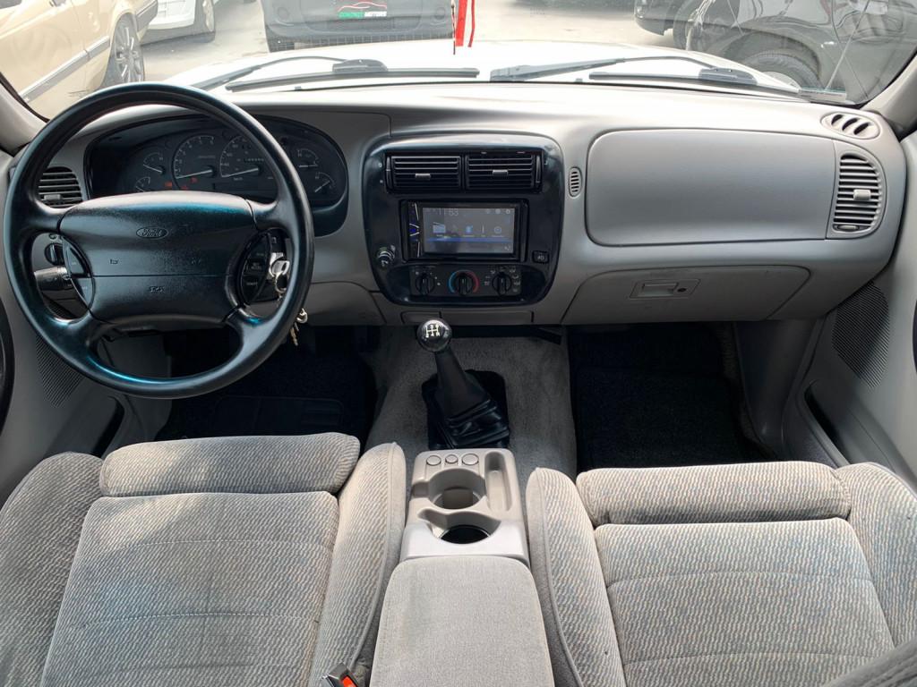 Imagem do veículo FORD RANGER 4.0 STX 4X2 CE V6 12V GASOLINA 2P MANUAL