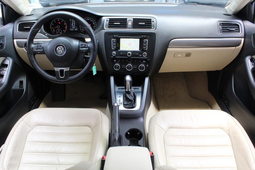 Imagem do veículo VW JETTA TSI DSG 2.0 GASOLINA - 2013 - BRANCO