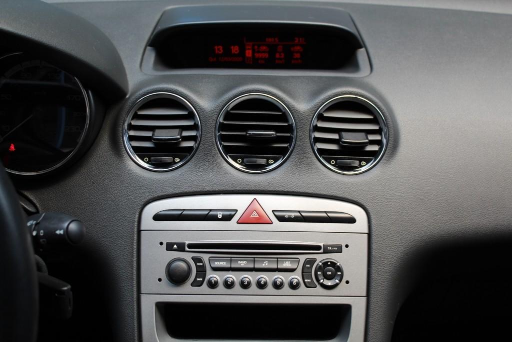 Imagem do veículo PEUGEOT 308 ACTIVE 1.6  FLEX 4P MANUAL - BRANCO - 2013