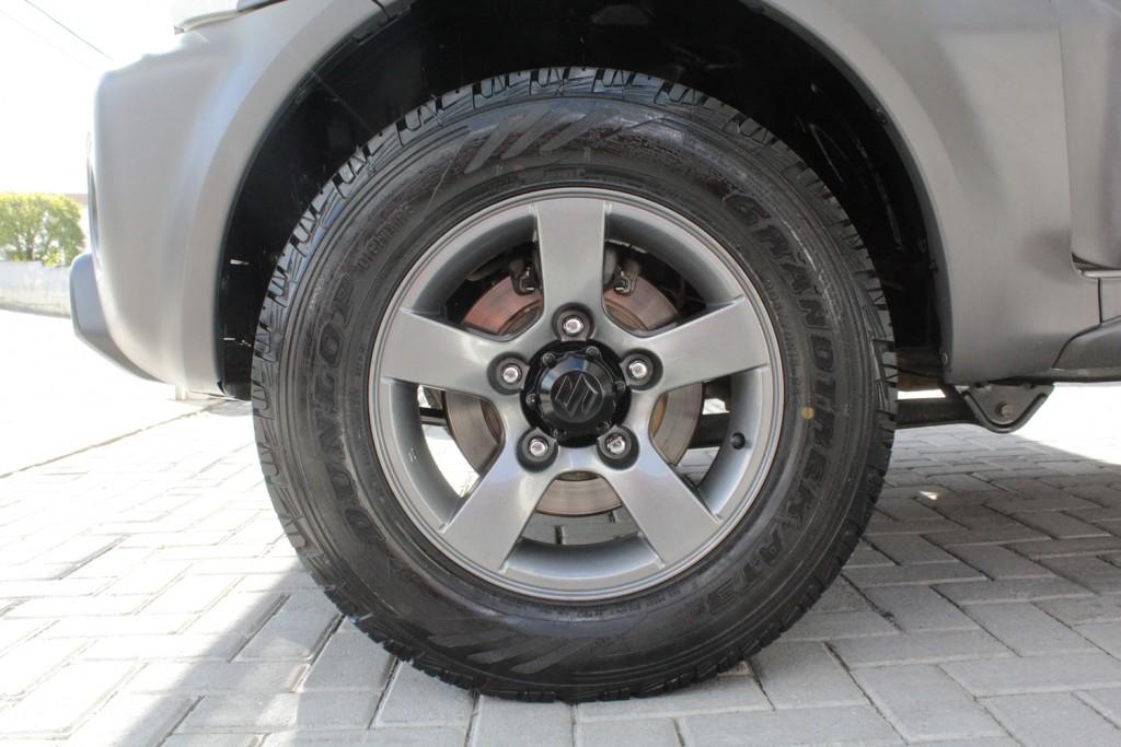 Imagem do veículo SUZUKI JIMNY 1.3 4ALL 4X4 16V GASOLINA 2P MANUAL - 2015 - BRANCO