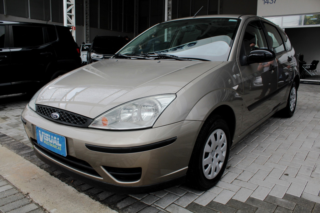 FORD FOCUS 1.6 4P MANUAL - 2006 - PRATA