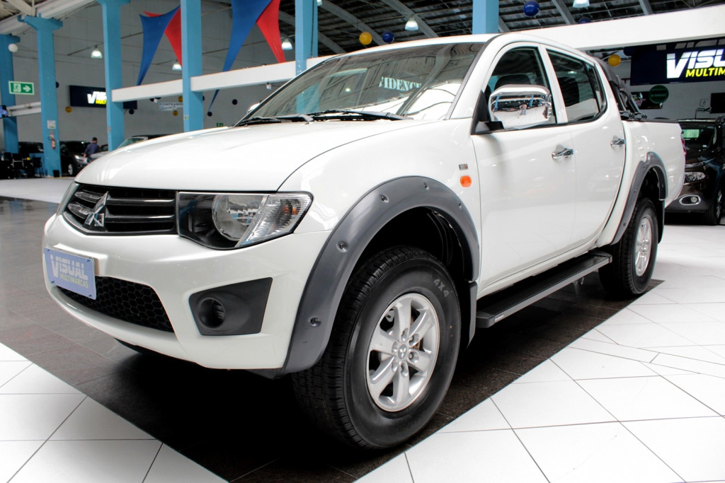 MITSUBISHI L200 TRITON 3.2 GL CD 4X4 TURBO DIESEL 4P MANUAL - 2018 - BRANCO