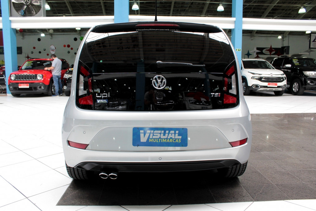 Imagem do veículo VOLKSWAGEN UP 1.0 TSI PEPPER FLEX 4P MANUAL - 2018 - PRATA