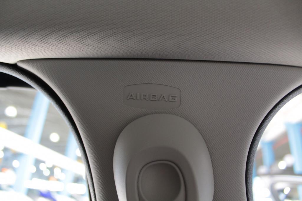 Imagem do veículo RENAULT FLUENCE 2.0 DYNAMIQUE FLEX 4P MANUAL 6M - 2013 - CINZA