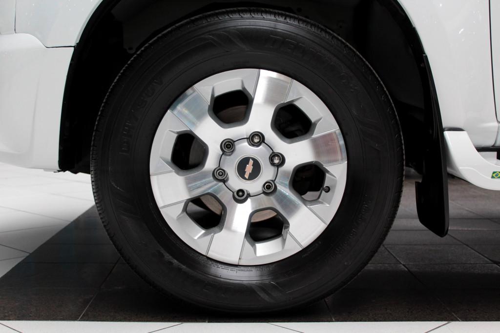 Imagem do veículo CHEVROLET S10 2.4 LTZ 4X2 CD FLEX 4P MANUAL - 2013 - BRANCO
