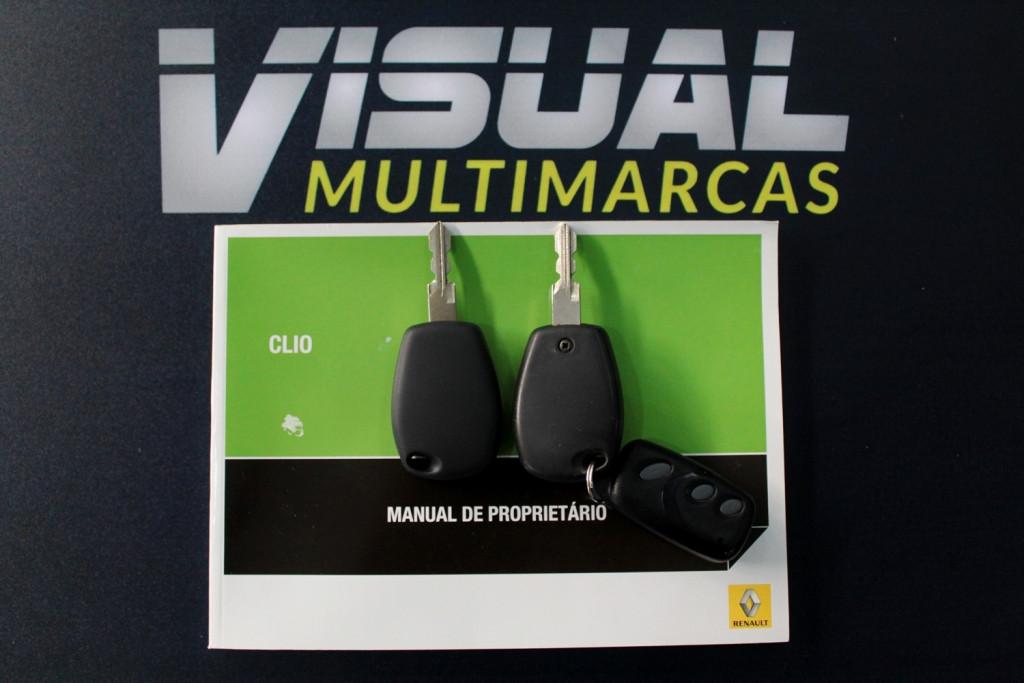 Imagem do veículo RENAULT CLIO 1.0 EXPRESSION FLEX 4P MANUAL - 2014 - PRATA
