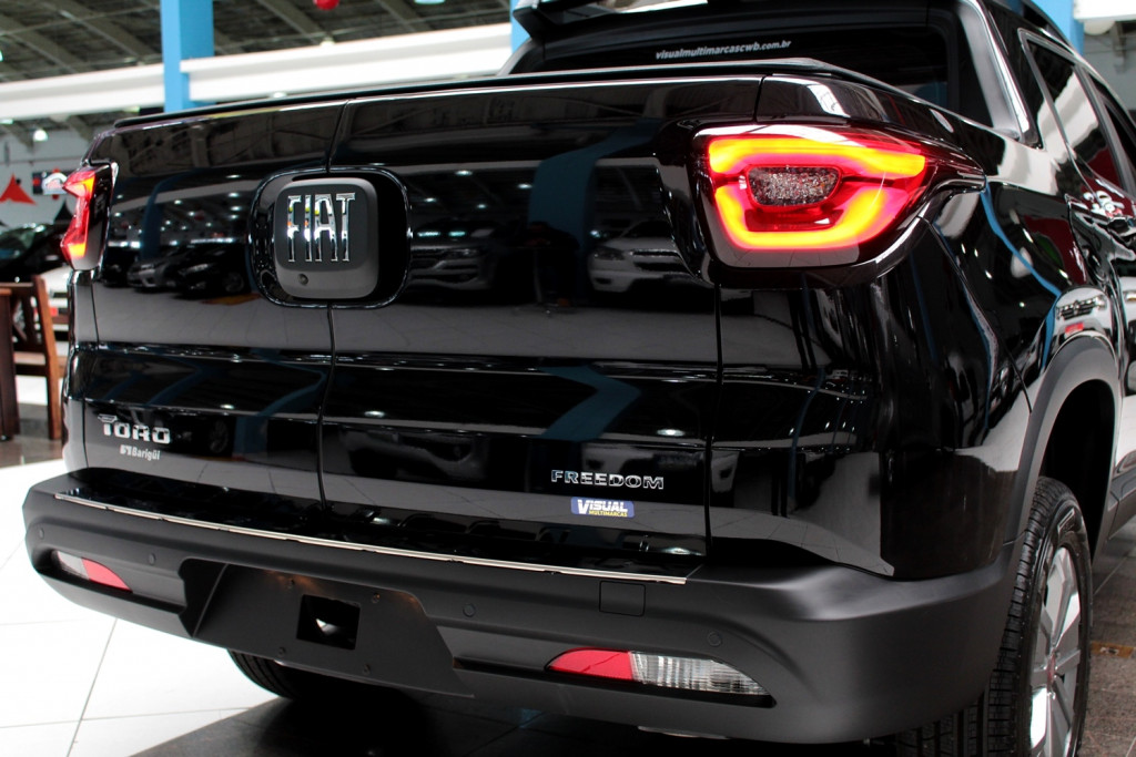 Imagem do veículo FIAT TORO 1.8 FREEDOM FLEX  4P AUTOMÁTICO 6M - 2021 - PRETO