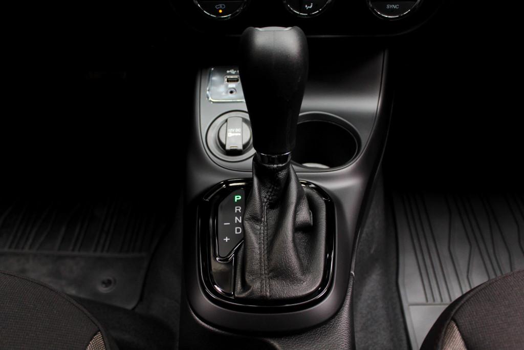Imagem do veículo FIAT TORO 1.8 FREEDOM FLEX 4P AUTOMÁTICO 6M - 2021 - VERMELHO
