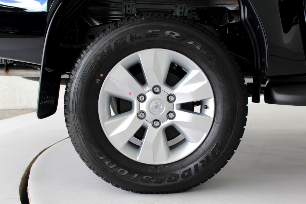 Imagem do veículo TOYOTA HILUX 2.8 SR 4X4 CD TURBO DIESEL 4P AUTOMÁTICO 6M - 2020 - PRETO