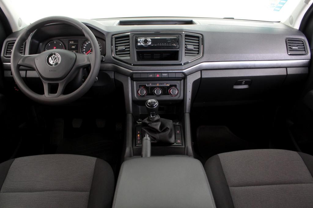 Imagem do veículo VOLKSWAGEN AMAROK 2.0 S 4X4 CD TURBO DIESEL 4P MANUAL 6M - 2018 - BRANCO
