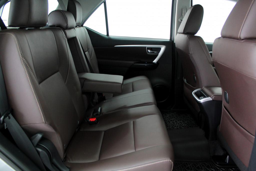 Imagem do veículo TOYOTA HILUX SW4 2.8 SRX 4X4 7L TURBO DIESEL 4P AUTOMÁTICO 6M - 2020 - PRATA