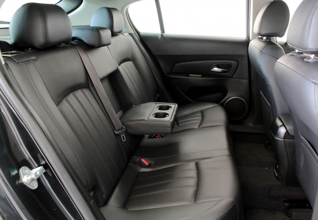 Imagem do veículo CHEVROLET CRUZE 1.8 LT FLEX 4P AUTOMÁTICO 6M - 2013 - PRETO