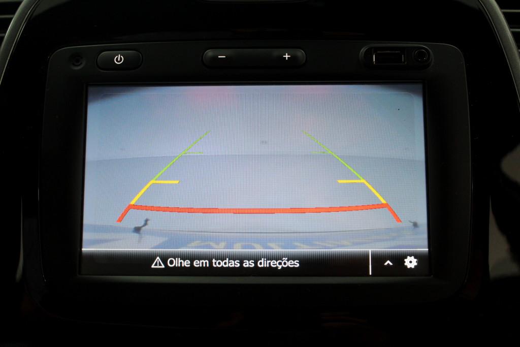 Imagem do veículo RENAULT CAPTUR 1.6 BOSE FLEX 4P AUTOMÁTICO CVT 6M - 2021 - BRANCO