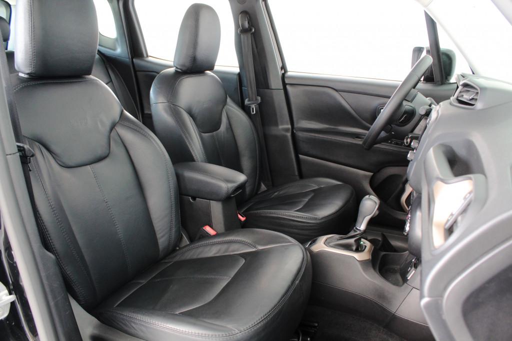 Imagem do veículo JEEP RENEGADE 1.8 SPORT FLEX 4P AUTOMÁTICO 6M - 2016 - PRETO