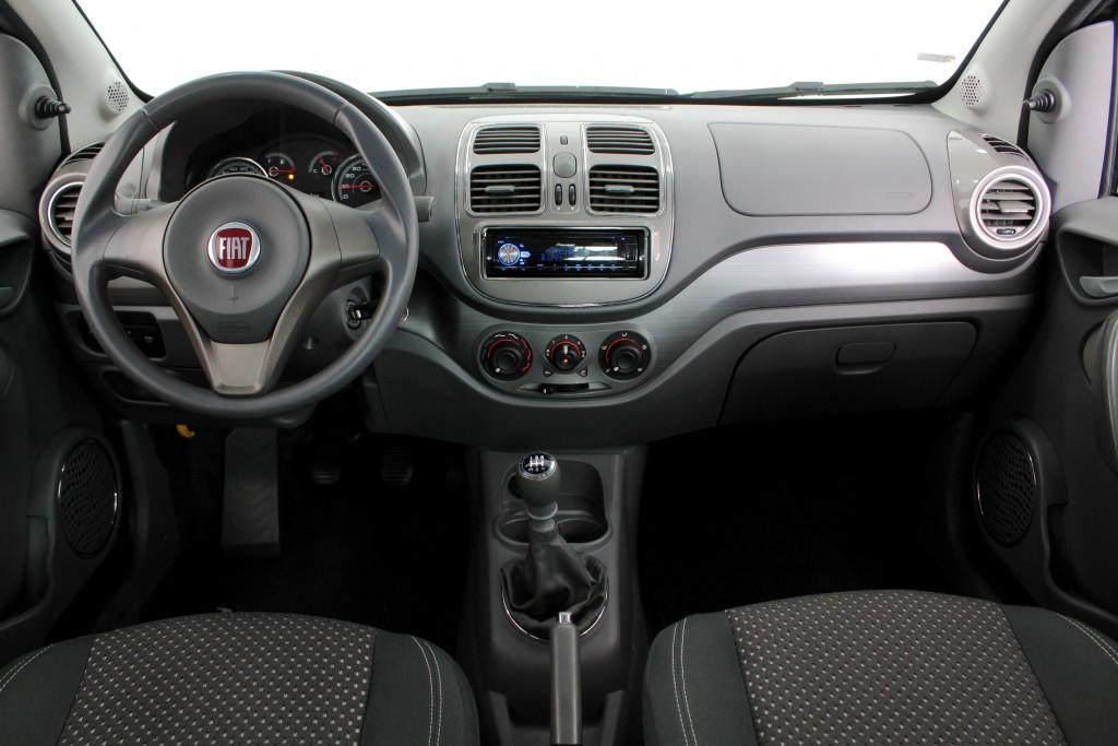 Imagem do veículo FIAT GRAND SIENA 1.6 ESSENCE FLEX 4P MANUAL - 2013 - PRETO