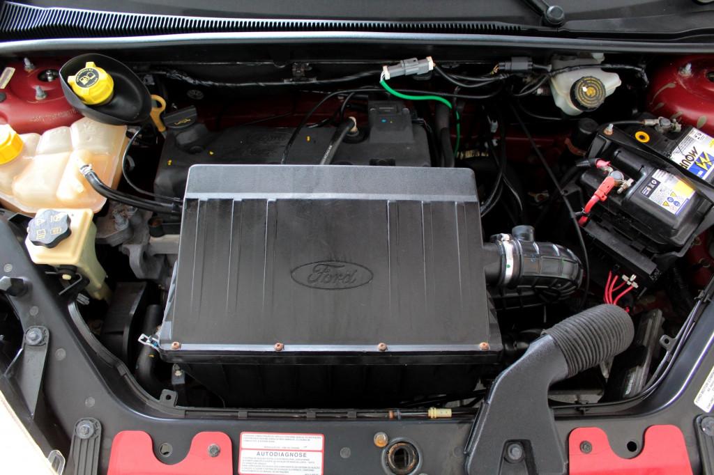Imagem do veículo FORD FIESTA 1.6 FLEX 4P MANUAL - 2008 - VERMELHO