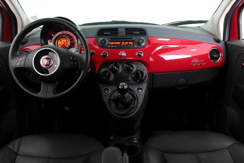 Imagem do veículo FIAT 500 1.4 CULT 8V FLEX 2P MANUAL - 2015 - VERMELHO