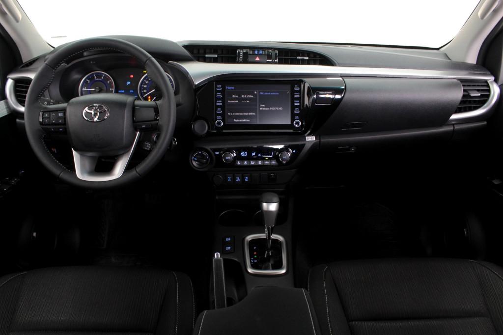 Imagem do veículo TOYOTA HILUX 2.8 SR 4X4 CD TURBO DIESEL 4P AUTOMÁTICO 6M - 2020 - PRATA **0 KM**