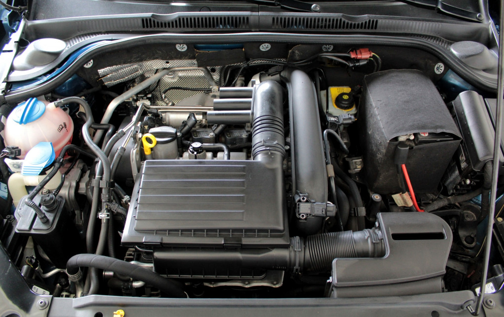 Imagem do veículo VOLKSWAGEN JETTA 1.4 TSI COMFORTLINE (PACOTE EXCLUSIVE)  FLEX 4P AUTOMÁTICO 6M - 2016 - AZUL