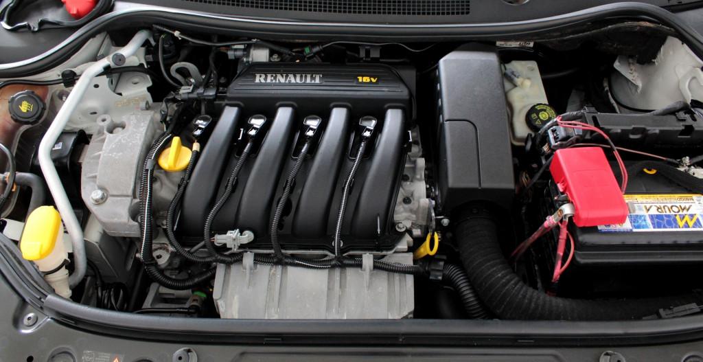 Imagem do veículo RENAULT MEGANE 1.6 GRAND TOUR DYNAMIQUE 4P MANUAL - 2013 - BRANCO