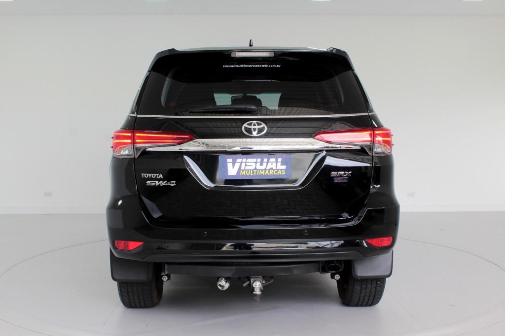 Imagem do veículo TOYOTA HILUX SW4 2.8 SRX 4X4 7L TURBO DIESEL 4P AUTOMÁTICO 6M - 2019 - PRETO