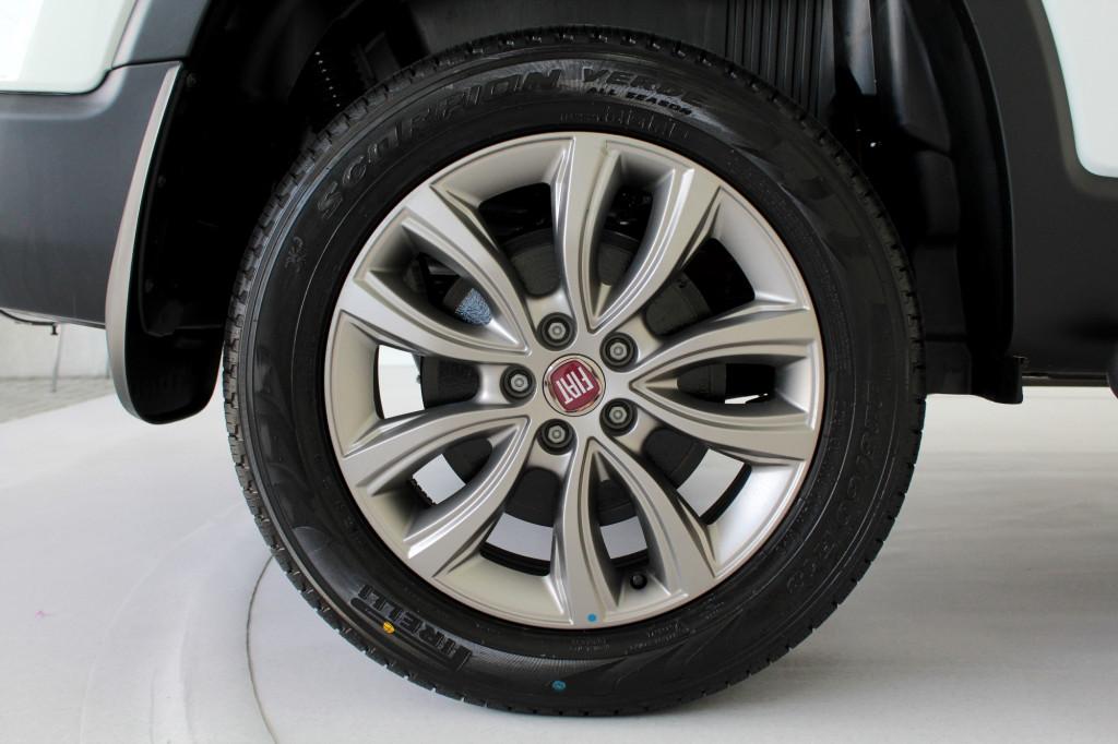 Imagem do veículo FIAT TORO 2.0 RANCH TURBO DIESEL 4X4 4P AUTOMÁTICO 9M - 2021 - BRANCO **0 KM**
