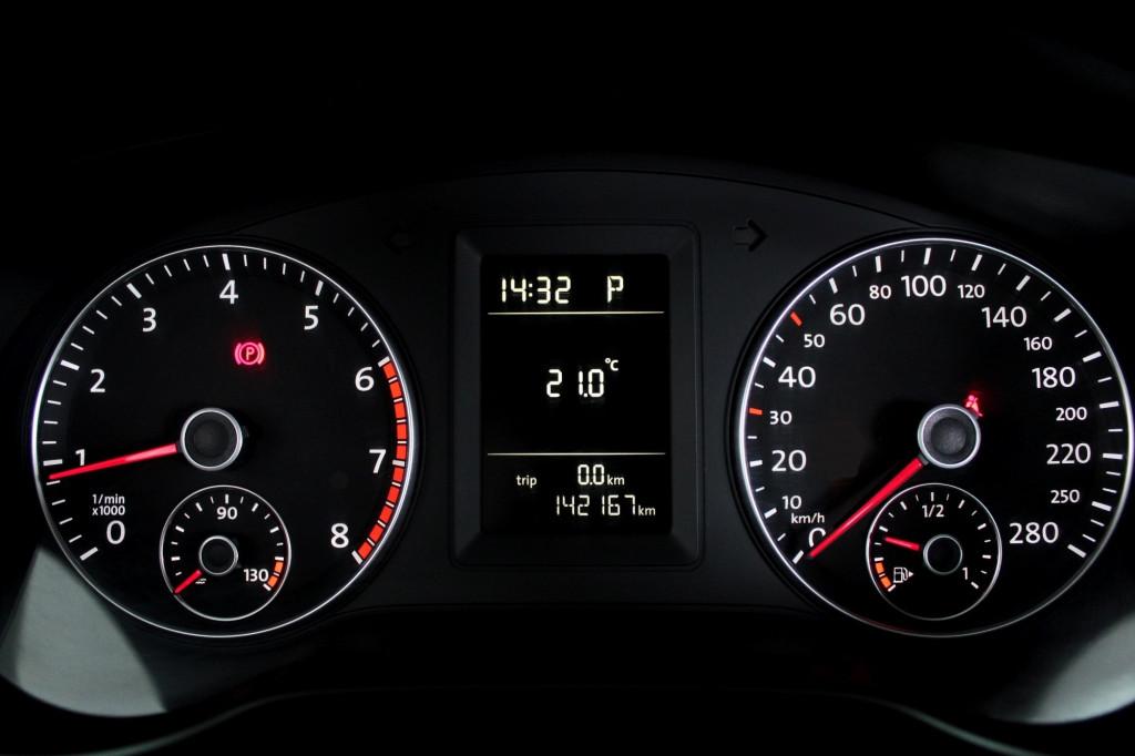 Imagem do veículo VOLKSWAGEN JETTA 2.0 FLEX 4P AUTOMÁTICO 6M - 2012 - PRATA