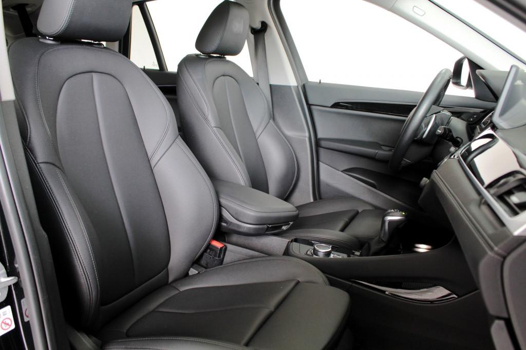 Imagem do veículo BMW X1 2.0 TURBO SDRIVE 20I X - LINE 4P AUTOMÁTICO 8M - 2020 - PRETO
