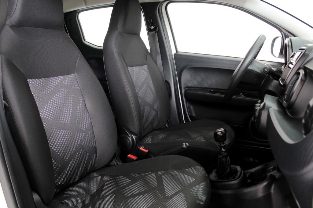 Imagem do veículo FIAT MOBI 1.0 DRIVE FLEX 4P MANUAL - 2018 - BRANCO